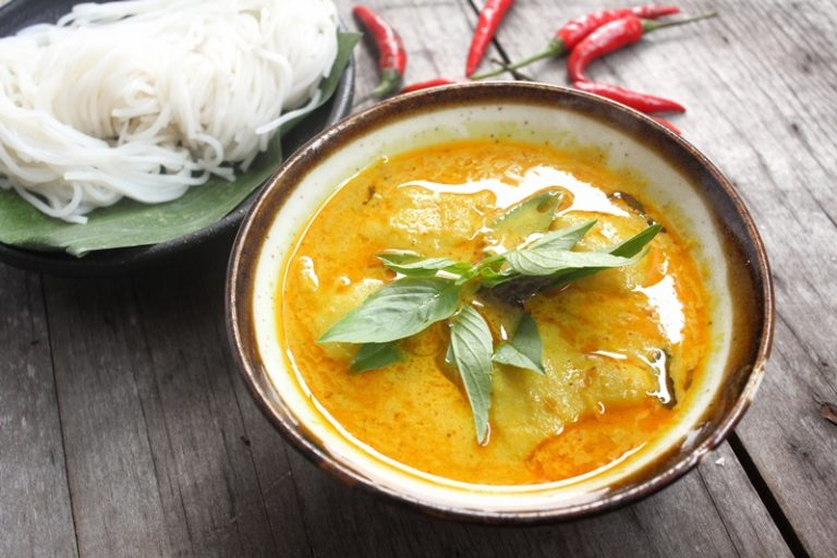 Image for Chicken Coconut Curry Soup with Vermicelli Rice Noodles